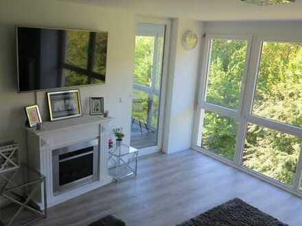 Exklusive sanierte und möblierte Wohnug im Loft-Stil mit Wintergarten,Kamin und EBK