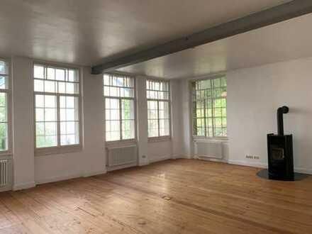 Exclusive 2-Zimmer-Loft-Wohnung mit Terrasse und Einbauküche in Baden-Baden