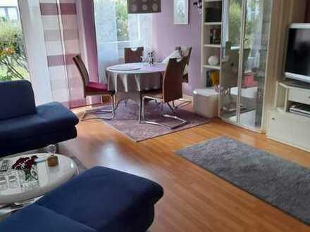 Modernisierte 3-Zimmer-Erdgeschosswohnung mit Terasse und Einbauküche in Schweinfurt (Eselshöhe)
