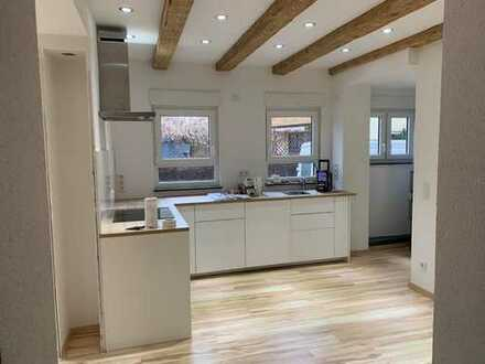 Erstbezug nach Erneuerung: stilvolle 2,5-Zimmer-Erdgeschosswohnung mit Einbauküche in Erlenbach
