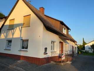 Älteres Generationshaus mit großem Gartengrundstück in Schliengen
