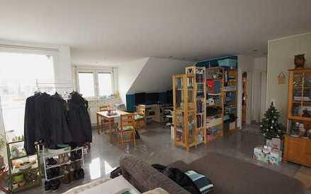 Dreizimmerwohnung mit Balkon, Küche und Carport!