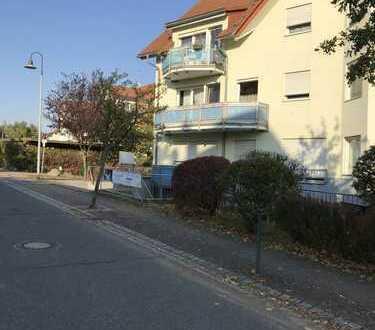 Individuelle 3 Zimmerwohnung mit Balkon in Kesselsdorf zu verkaufen !
