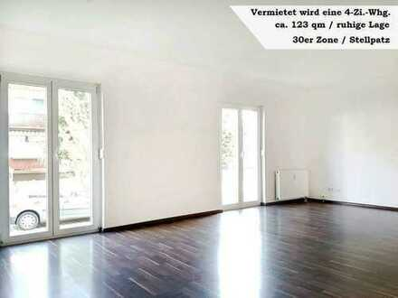 +++ Renovierte 4-Zi.-Wohnung in Achern / 123qm / ruhige Lage +++