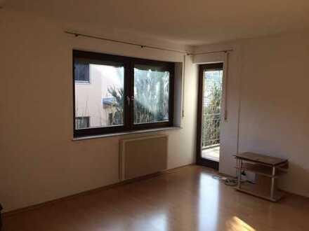 Schöne 2-Zi. Wohnung im 2 OG mit Balkon