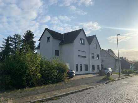 Schöne 2-Zimmer-Dachgeschosswohnung mit Balkon im Kirchviertel
