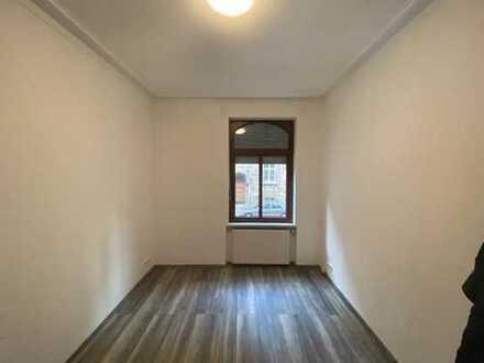 Exklusive, vollständig renovierte 5-Zimmer-Erdgeschosswohnung mit Einbauküche in Stuttgart+ hobby Zi