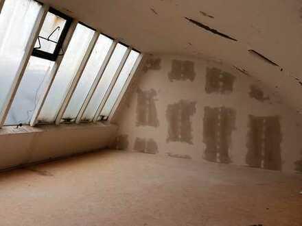 stylische kleine Büroeinheit nach Kernsanierung in Trier Euren zu vermieten
