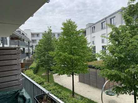 Großzügige, helle, sehr ruhige 4 Zimmer Wohnung mit großem Balkon