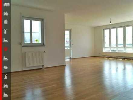 Neuwertige 3-Zimmer-Dachterrassenwohnung Nähe S-Bahn