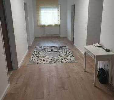 Schöne, helle Wohnung mit drei Zimmern in Overath