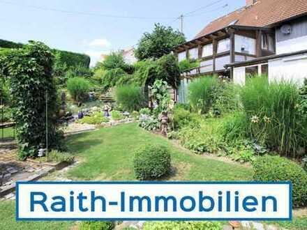 Einzigartiges Anwesen mit schönem Garten - weiteres Baufenster vorhanden!