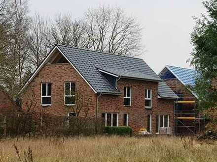 Optimale Raumnutzung mit einer Menge Komfort für die große Familie: Doppelhaushälfte in Metjendorf