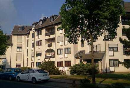 schöne 3 Zimmer Wohnung mit 77 qm und Balkon bitte keine e mails