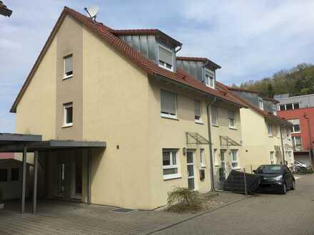 Schöne Doppelhaushälfte mit fünf Zimmern in der Wallbrunnstrasse in Lörrach