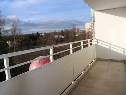 Einziehen und Geld sparen* Barrierefreier Zugang - großer Balkon - *MÖBLIERT* - moderne Bodenbeläge