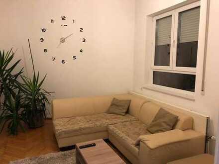 Exklusive, sanierte 2-Zimmer-Wohnung mit Einbauküche in Esslingen