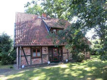 TOP! Charmantes Einfamilienfachwerkhaus (4 Zimmer) mit großem Garten, Wedemark/ Meitze