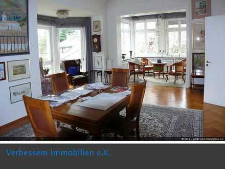 Wohnen und Arbeiten in charmanter freistehender Altbauvilla Wiesbaden City-Ost!