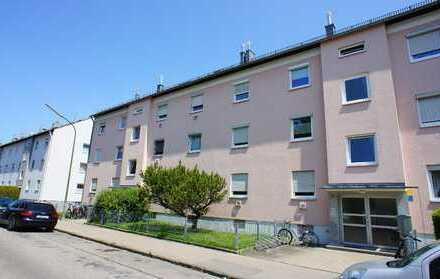 Schöne helle 2 Zimmer Dachgeschosswohnung mit Cabrionfenster in Augsburg/Kriegshaber
