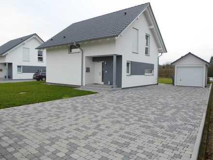 Modernes Energiesparhaus - in Wehr-Brennet