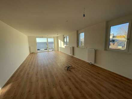 Ideal für die Familie: 3-Zimmer-Wohnung mit großer Dachterrasse und Fernsicht