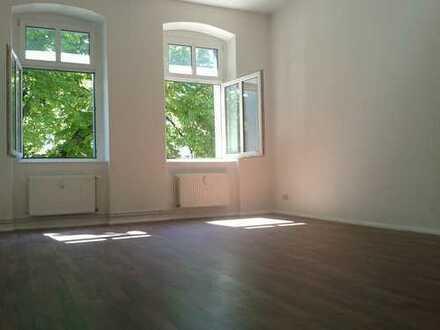 Gemütliche 2 Zimmer Wohnung am Baumschulenweg! - modernes Bad - Laminat - ca. 54m² - 599 € + HK