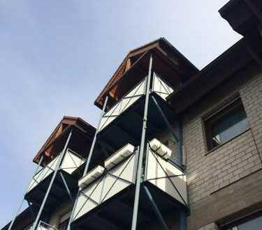 Attraktive 2-Zimmer-Dachgeschosswohnung mit 2 Balkonen in Eisingen