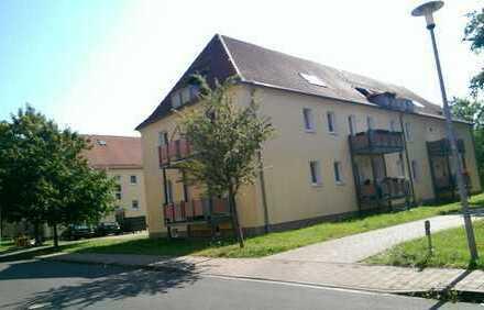Großzügig geschnittene 1-Raumwohnung mit Balkon und Einbauküche, Besichti. unter Tel. 0152 34349076