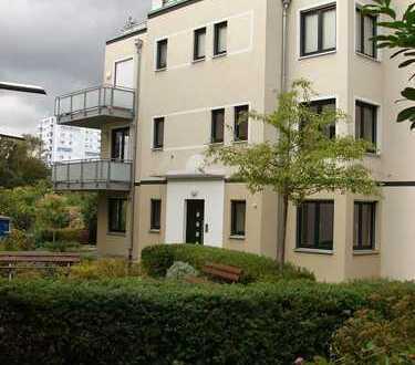 Haus-im-Haus – Terrassen-Maisonette-Wohnung mit Gartenanteil - nahe Bäkepark und Rathaus Steglitz