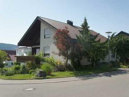 Wurmlingen /TUT: Gr. Wohnhaus mit Einliegerwohnung und Doppelgarage