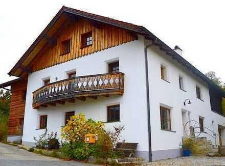 Kramerhaus, energetisch saniert, zwischen Chiem- und Seeoner See mit Blick zur Kampenwand und Alpen