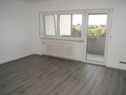 *** Heute Kaufen Morgen Bezahlen ***Balkon***Komplett renoviert***Sofort einziehen***