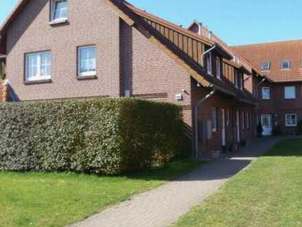 Freundliche 4-Zimmer-Maisonette-Wohnung mit Balkon und Einbauküche in Fehmarn