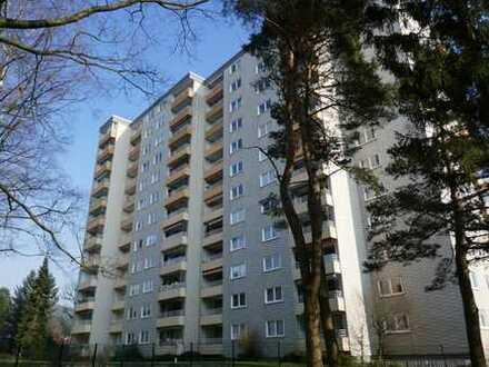 Gepflegte 3-Zimmer-Wohnung mit Balkon und EBK in Bielefeld