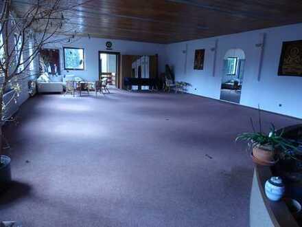 Wohnhaus oder Büro-Praxis in Heusweiler zentral