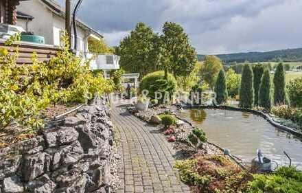 Gepflegtes Einfamilienhaus mit parkähnlichem Garten in Hirschberg