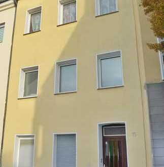Kapitalanleger aufgepasst: Vollvermietetes Mehrfamilienhaus mit 4 Wohneinheiten in K-Kalk