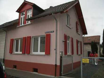 Gemütliche Doppelhaushälfte mit Hof und Scheune