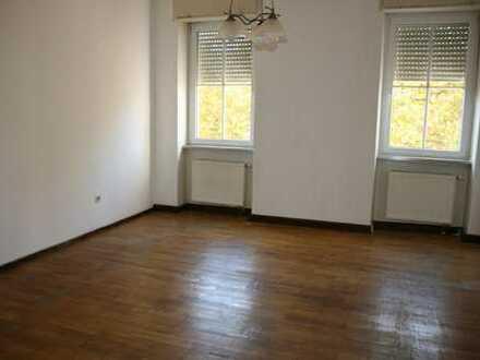 Schöne Altbauwohnung 5-Zimmer-Wohnung im Zentrum Kaiserslautern
