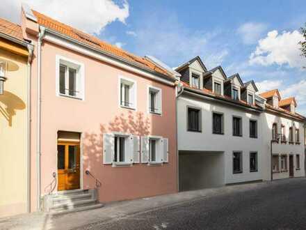 5-Zimmer auf 3 Etagen mit Terrasse in TOP LAGE direkt am Marktplatz