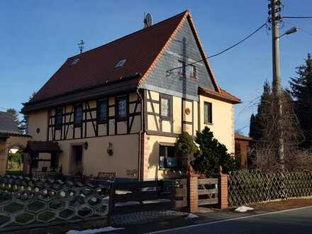 Schönes Fachwerkhaus mit fünf Zimmern in Glauchau, Glauchau