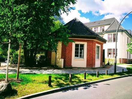 Stadtnah. Denkmalgeschütztes Atelier/Studio auf kleinem Grundstück
