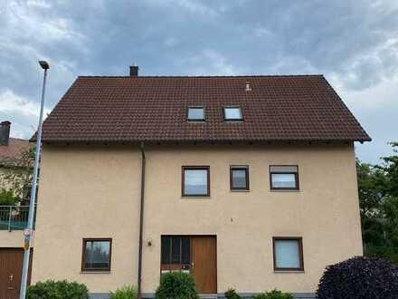 Schöne, helle 3 Zimmer DG-Wohnung mit Balkon in Reutlingen-Oferdingen