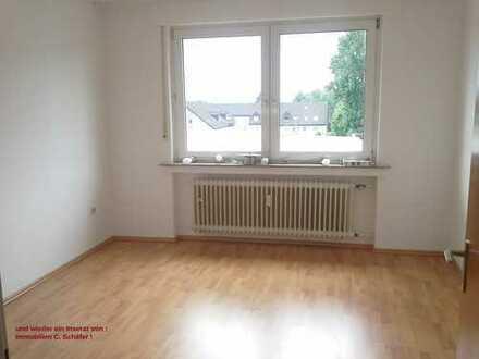 Dortmund Asseln, modernisiertes Wohnhaus : 2,5 Zimmer 48m² DG Wohnung ! mod. Duschbad ! EBK möglich
