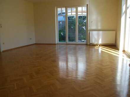 Helle, sonnige 6 Zimmer Doppelhaushälfte in Rottenburg-Kiebingen
