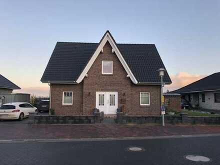 Büsum: Friesenhaus Bj. 2017 mit ca. 160 m² Wohnfläche und 738 m² Grundstück