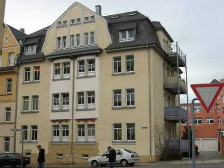 Gemütliche Dreiraumwohnung mit großem Balkon im 1.OG