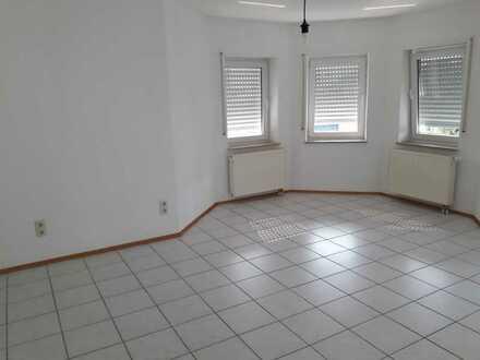 Helle attraktive 3 Zimmer-Nichtraucherwohnung in ruhiger Hanglage nähe Neckargemünd