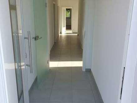 Erstbezug mit Balkon und Garten: ansprechende 6-Zimmer-Wohnung in Prittriching